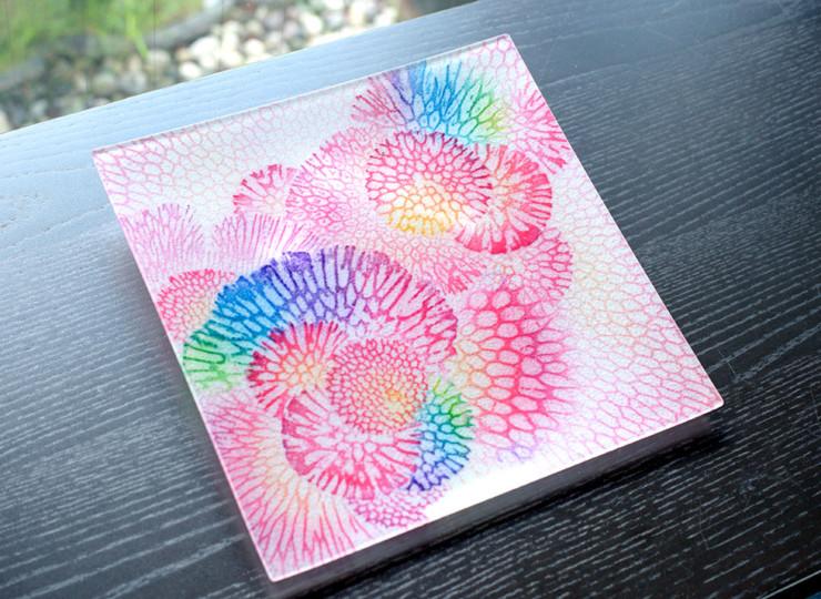 サンゴ染め 絵皿大(ピンク)