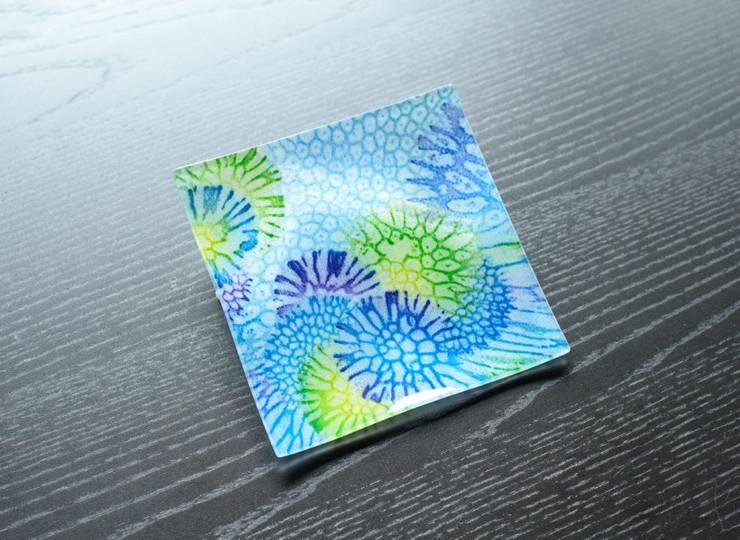 サンゴ染め 絵皿小(ブルー)
