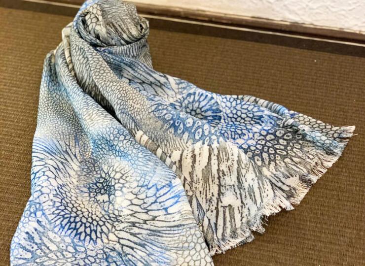サンゴ染め オーガニックスカーフ(ブラック)