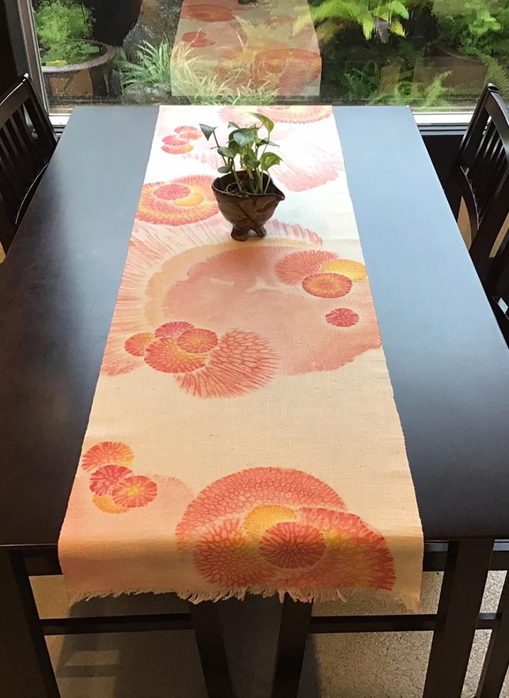 サンゴ染め テーブルセンターLL(コーラルピンク)
