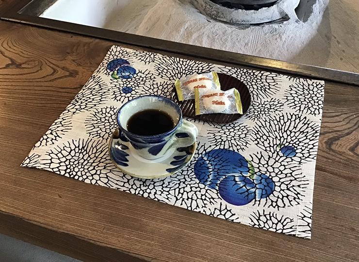 森サンゴ ランチマット(麻)ポイント ブルー系